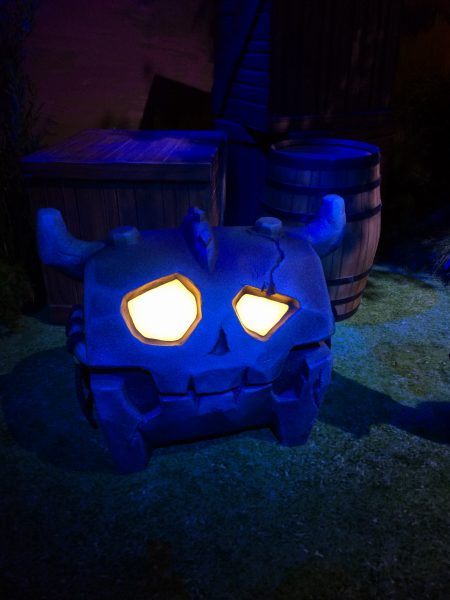 A Chest With Glowing Eyes!